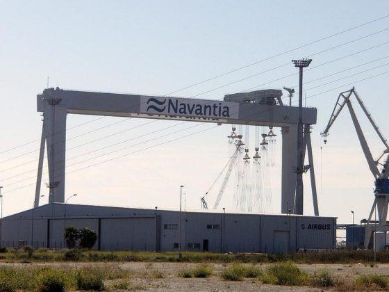Grúa de Navantia en los Astilleros de Puerto Real - FEMCA Cádiz
